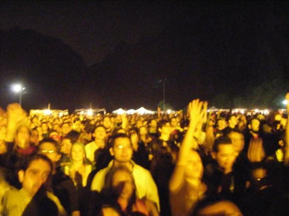 12 mil personas a¡hasta el momento aprox.